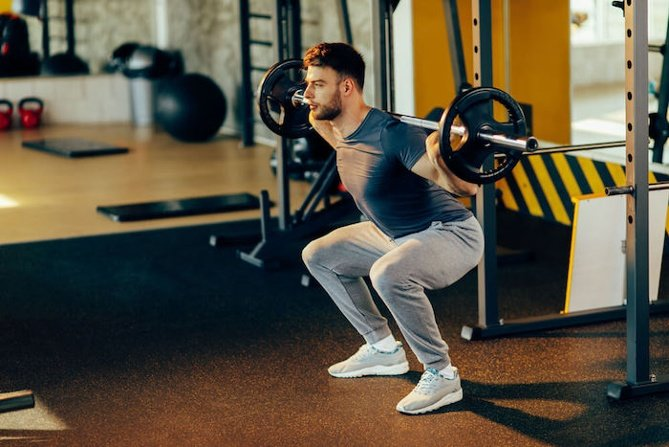 какие упражнения в тренажерном зале для похудения