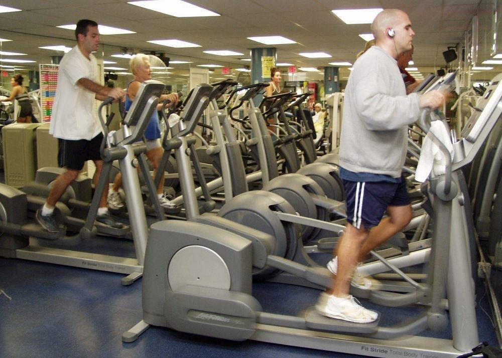упражнения в тренажерном зале для похудения живота