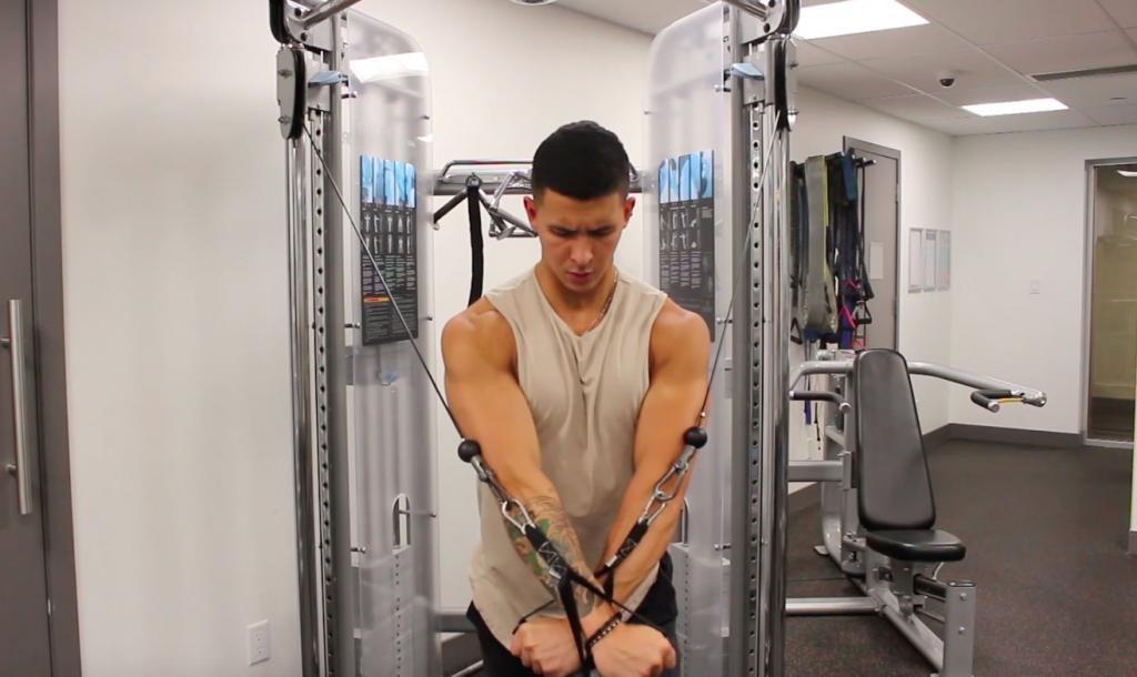 комплекс упражнений для грудных мышц для мужчин