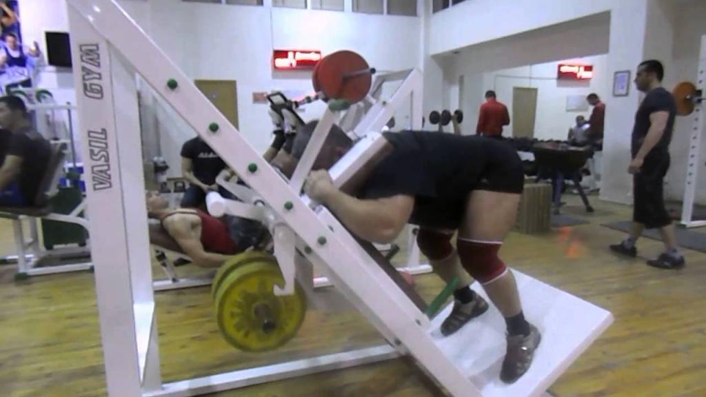 упражнение в ГАКК тренажере