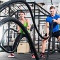 Круговая тренировка на силу в тренажерном зале. Упражнения на силу