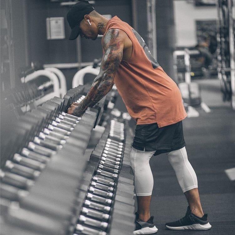 в чем ходить в спортзал мужчине