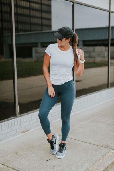 В чем ходить в спортзал: спортивная обувь и одежда для мужчин и женщин