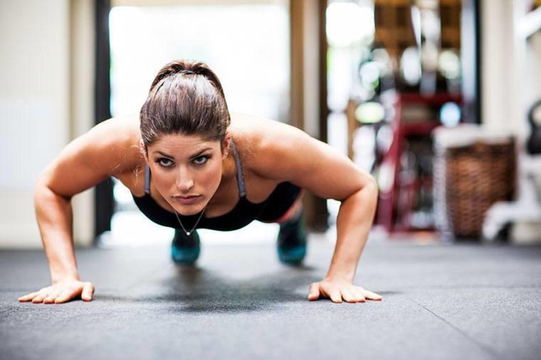 отжимания дом девушка фитнес