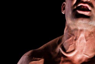Как накачать шею: комплекс эффективных упражнений