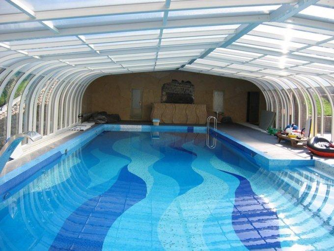 Как защитить себя в бассейне