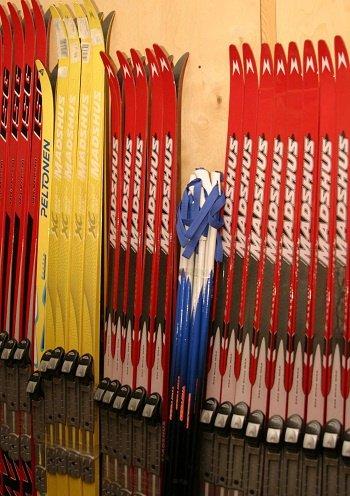 подготовить пластиковые лыжи