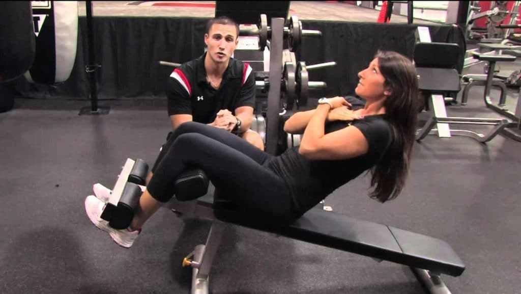 Упражнение на римском стуле