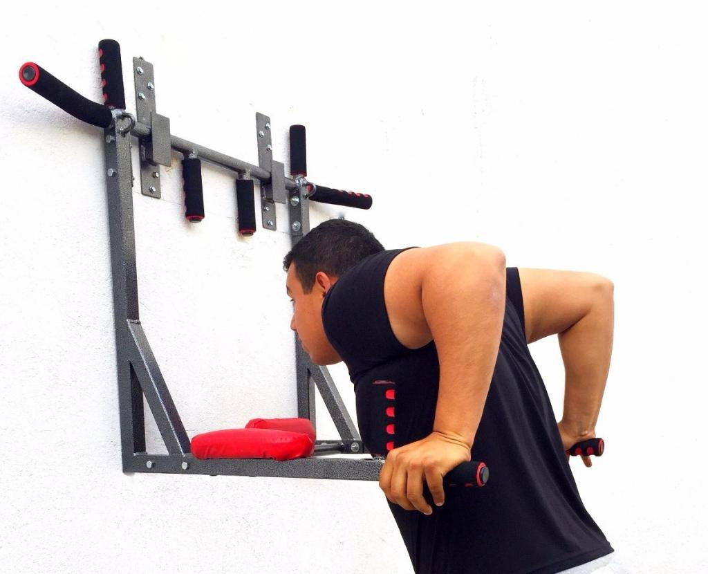 Упражнение на трицепс
